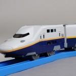 新幹線で好きなタイプはE4系Maxなのです。