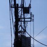 エヴァンゲリオンで見たような電柱のシルエット