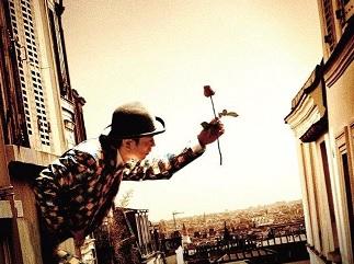 劇団四季のフレンチミュージカル『壁抜け男~恋するモンマルトル』