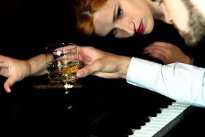 piano_woman