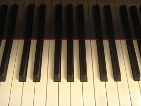 このピアノは、人をニコやかにする~レイ・ブライアントのソロパフォーマンス