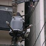 電柱のかわいいトランス
