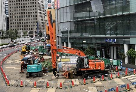 西新宿・ジオラマにしたいほどの河合塾の前