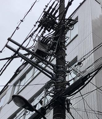 電信柱とマシーネン